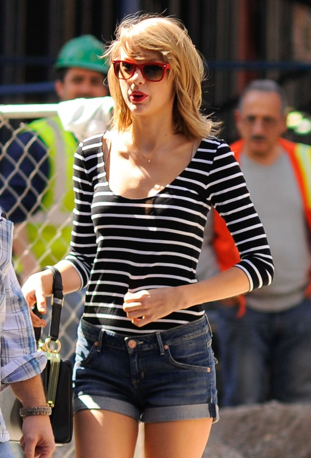 Taylor Swift Out With A Friend In New York